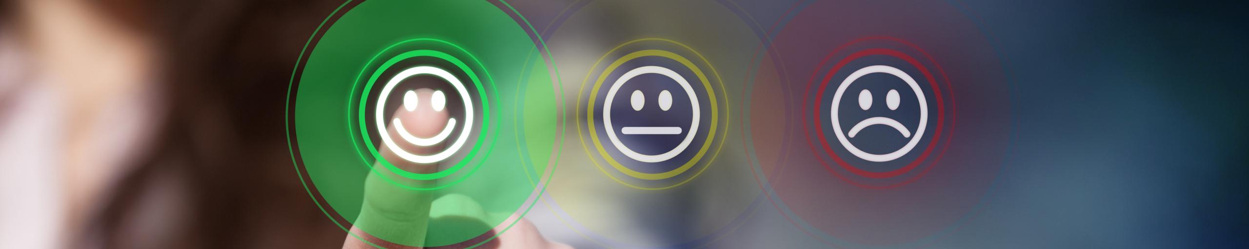 Headerbild Finger tippt auf Kundenzufriedenheit