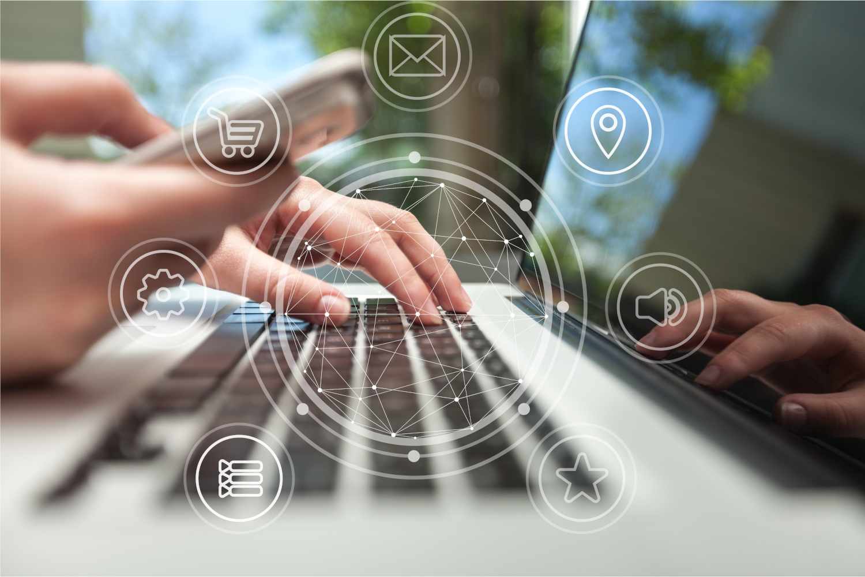 Verwaltung am Laptop - Titelbild